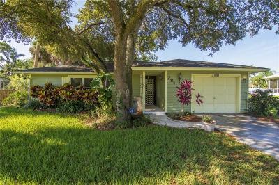 Sebastian Single Family Home For Sale: 781 Doctor Avenue