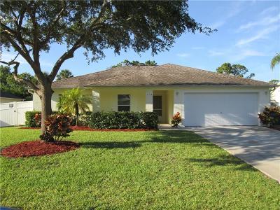 Sebastian Single Family Home For Sale: 118 Cardinal Drive