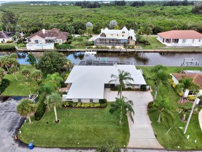 Vero Beach, Indian River Shores, Melbourne Beach, Melbourne, Sebastian, Palm Bay, Orchid Island, Micco, Indialantic, Satellite Beach Single Family Home For Sale: 3525 Marthas Lane