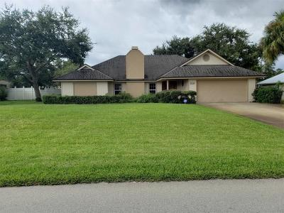 Vero Beach Single Family Home For Sale: 415 10th Street