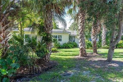 Vero Beach Single Family Home For Sale: 796 Dahlia Lane
