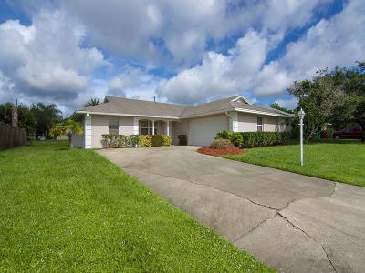 Sebastian Single Family Home For Sale: 510 Ponoka Street