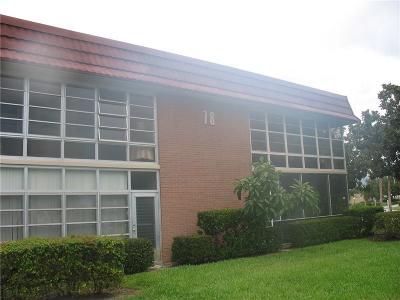 Vero Beach Condo/Townhouse For Sale: 78 Royal Oak Drive #105