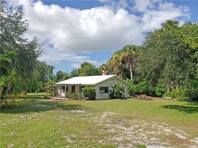 Sebastian Single Family Home For Sale: 923 Louisiana Avenue