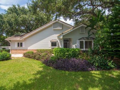 Vero Beach Single Family Home For Sale: 300 Peppertree Drive
