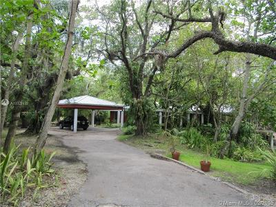Coral Gables Single Family Home For Sale: 8800 Old Cutler Rd
