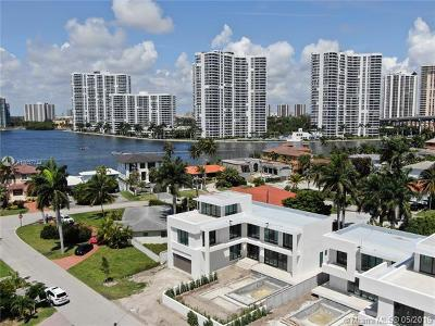 Sunny Isles Beach Single Family Home For Sale: 351 189th St