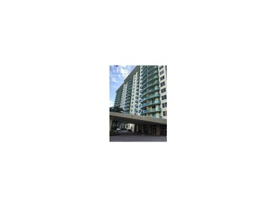 Sunny Isles Beach Condo For Sale: 19390 Collins Ave #614