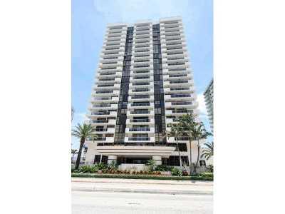 Miami Beach Condo For Sale: 5757 Collins Av #1201