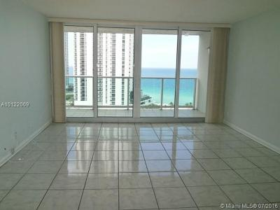 Sunny Isles Beach Condo For Sale: 100 Bayview Dr #1812
