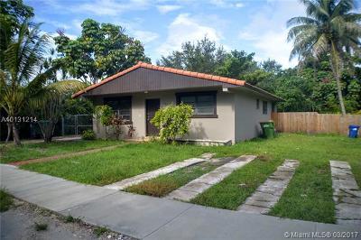 North Miami Single Family Home For Sale: 13100 NE 3rd Ct