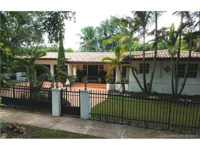 Coral Gables Single Family Home Active-Available: 1025 Bayamo Ave