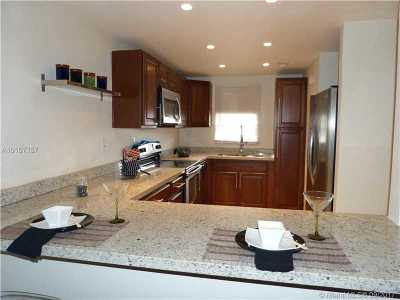 Pembroke Pines Condo Active-Available: 400 South Hollybrook Dr #208