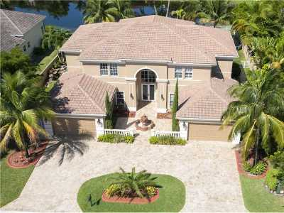 Pembroke Pines Single Family Home For Sale: 542 Enclave Cir E
