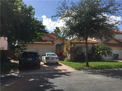 Doral Single Family Home For Sale: 11040 NW 58th Ter
