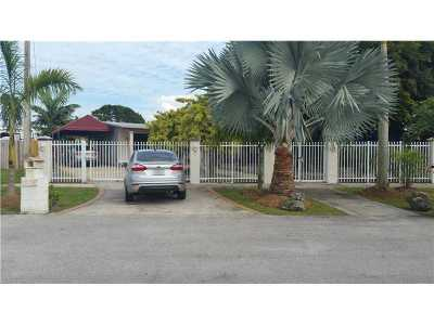 Single Family Home Active-Available: 11525 North Snapper Creek Dr