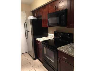 Oakland Park Condo For Sale: 2425 NW 33rd St #1302