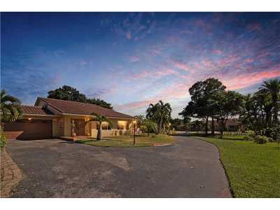 Davie Single Family Home Active-Available: 5450 Southwest 70th Ave