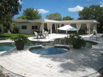 Palmetto Bay Single Family Home For Sale: 8261 SW 142nd St