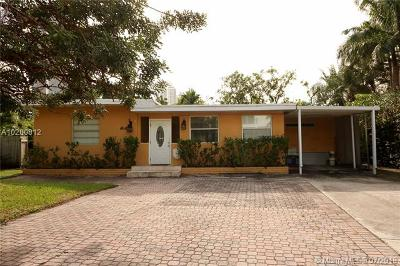 Sunny Isles Single Family Home For Sale: 252 189th Ter