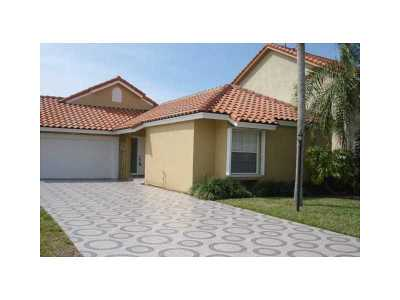 Doral Single Family Home For Sale: 10420 NW 46 St