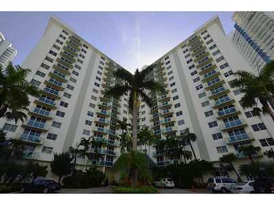 Hollywood Condo For Sale: 3001 S Ocean Dr #309