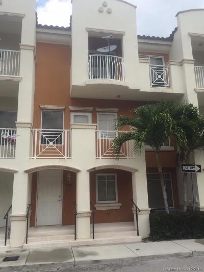 Aventura Condo For Sale: 2733 NE 184th Ln #141