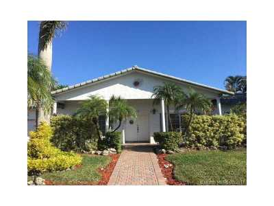 Weston Single Family Home Active-Available: 16723 Golfview Dr