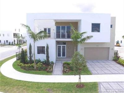 Doral Single Family Home For Sale: 10042 NW 76th Ter