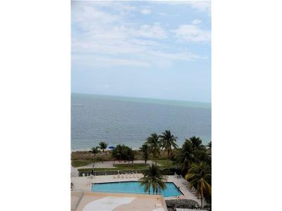Key Biscayne Condo Active-Available: 600 Grapetree Dr #10DS