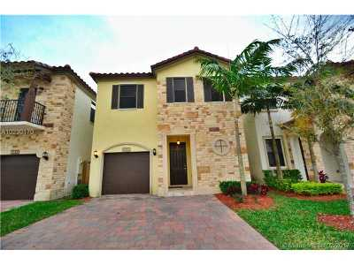 Doral Single Family Home For Sale: 10306 NW 70th Ter