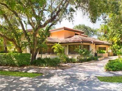 Coral Gables Single Family Home For Sale: 7950 Old Cutler Rd