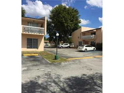 Palmetto Bay Condo Active-Available: 9430 Southwest 170th St #306