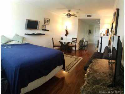 South Miami Condo Active-Available: 5715 Southwest 72nd St #5715