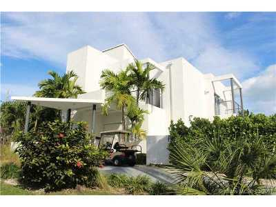 Key Biscayne Single Family Home Active-Available: 705 Curtiswood Dr