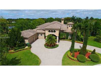 Davie Single Family Home Active-Available: 11029 Blackhawk Blvd