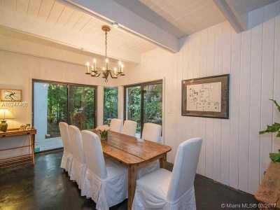 Coral Gables Single Family Home For Sale: 5600 Oakwood Ln