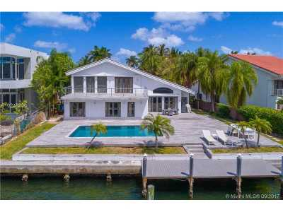 Golden Beach Single Family Home For Sale: 369 Center Island