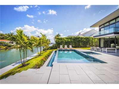 Miami, Miami Beach Single Family Home Active-Available: 721 Buttonwood Ln