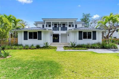 Pinecrest Single Family Home For Sale: 9121 SW 69 Ct