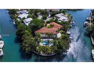 Key Biscayne Single Family Home For Sale: 251 Knollwood Dr