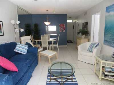 Lauderdale By The Sea Condo For Sale: 1541 S Ocean Blvd #223