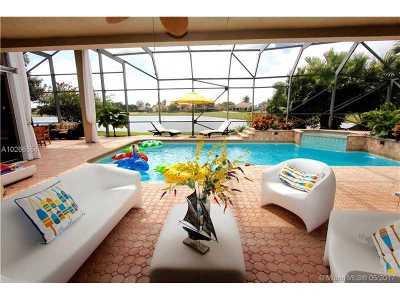 boca raton Single Family Home For Sale: 17683 Sealakes Dr