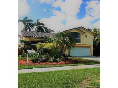 Palmetto Bay Single Family Home Active-Available: 16070 Southwest 89th Ave Rd
