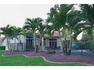 Weston Single Family Home Active-Available: 3703 Oak Ridge Cir