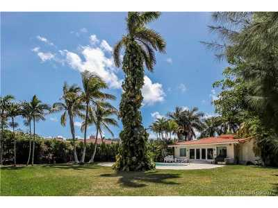 Golden Beach Single Family Home For Sale: 547 Golden Beach Dr