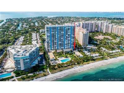 Key Biscayne Condo Active-Available: 881 Ocean Dr #TH23