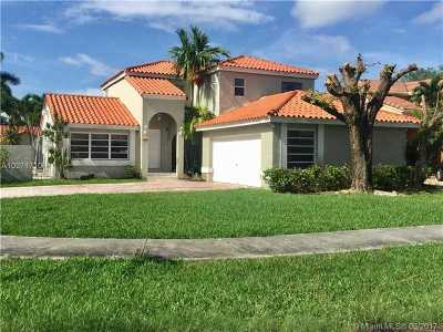 Single Family Home Active-Available: 12450 Southwest 95 Ter