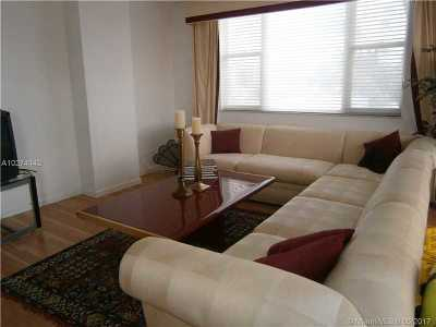 Hollywood Condo Active-Available: 4350 Hillcrest #219