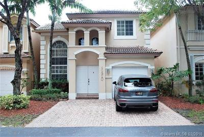 Doral Single Family Home For Sale: 11210 NW 73rd Ter